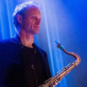 Toine Thys avec son bec de saxophone Syos