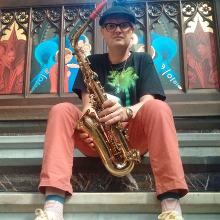 Etienne Jaumet with his Syos saxophone mouthpiece