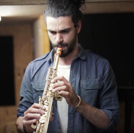 Renan Richard and his Syos orange soprano saxophone mouthpiece