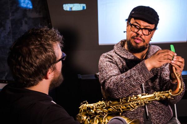 Séance de sound shaping chez Syos avec le saxophoniste Dayna Stephens