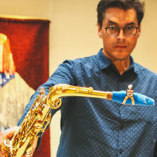 Jordan Reed plays a Syos mouthpiece for alto saxophone