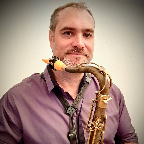 Saxophonist Michael Alizon and his Syos tenor saxophone mouthpiece