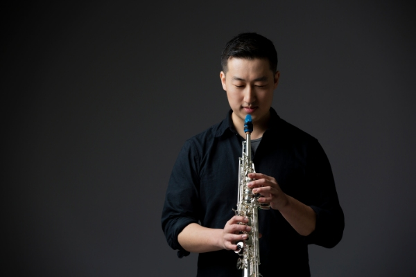 The saxophonist Sunjae Lee plays a Syos soprano saxophone mouthpiece
