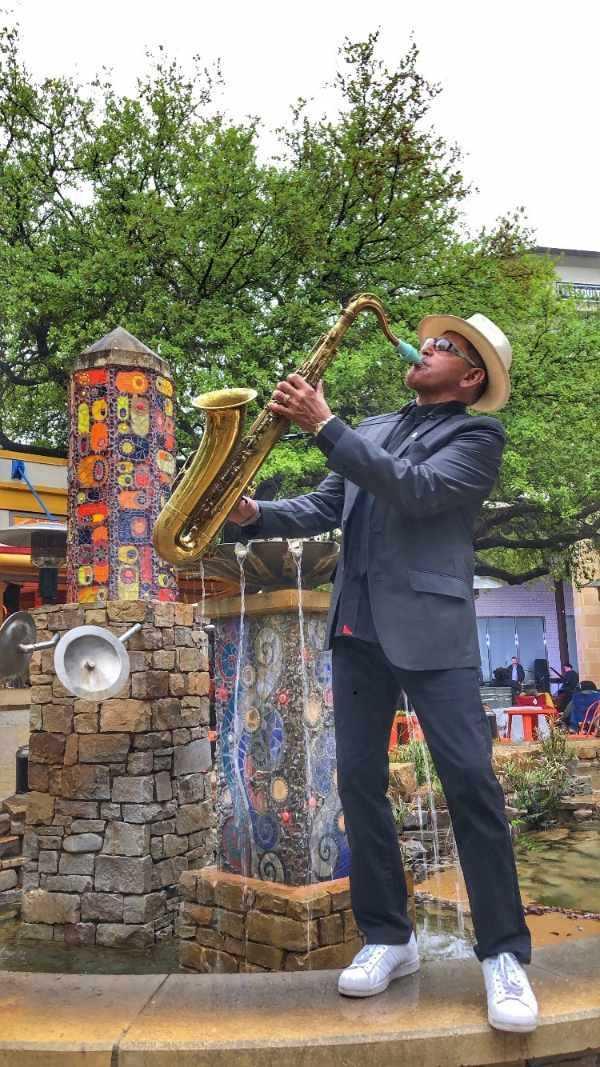 The saxophonist Joe Posada plays a Syos tenor saxophone mouthpiece