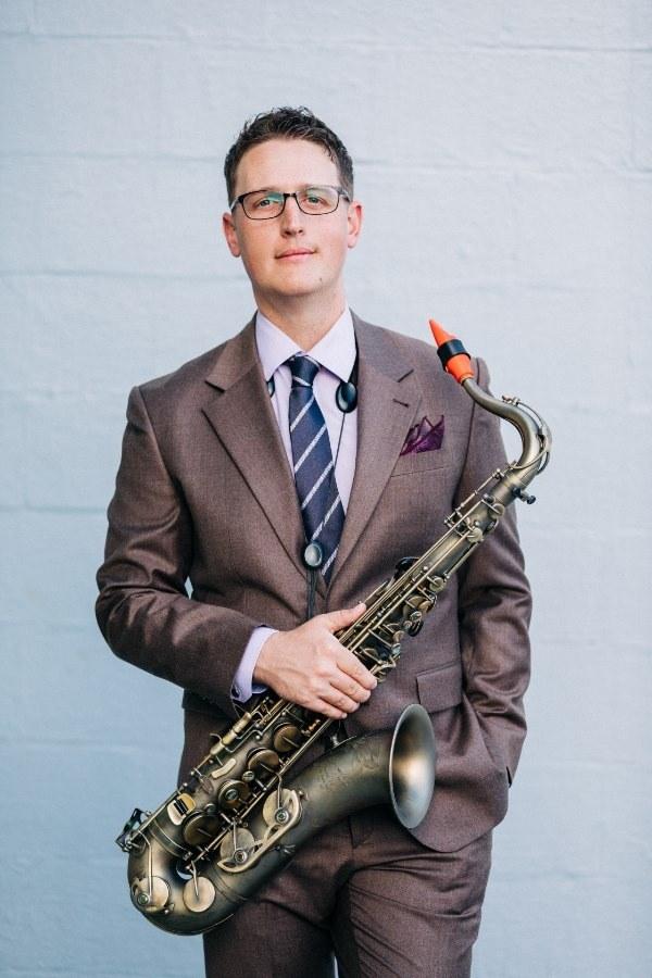 The saxophonist Matthew Locker plays a Syos tenor saxophone mouthpiece