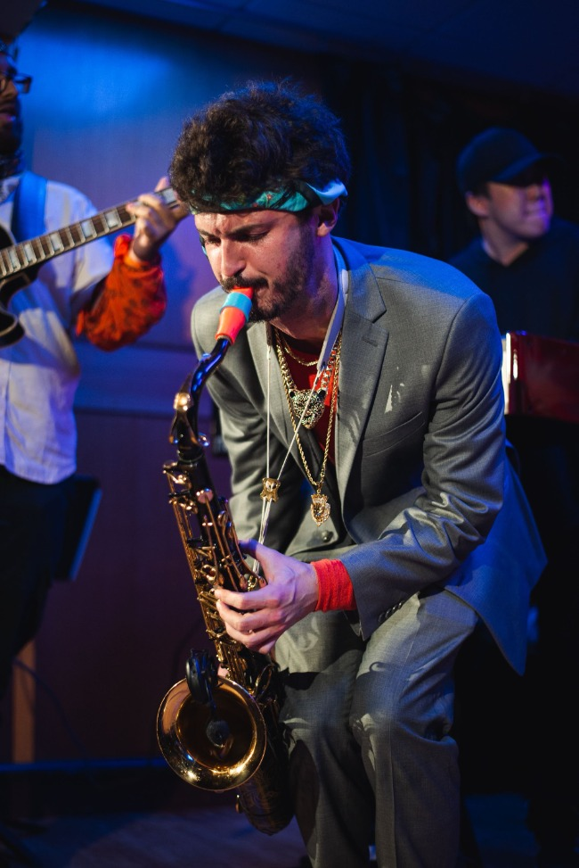 Trace Zacur plays a Syos saxophone mouthpiece