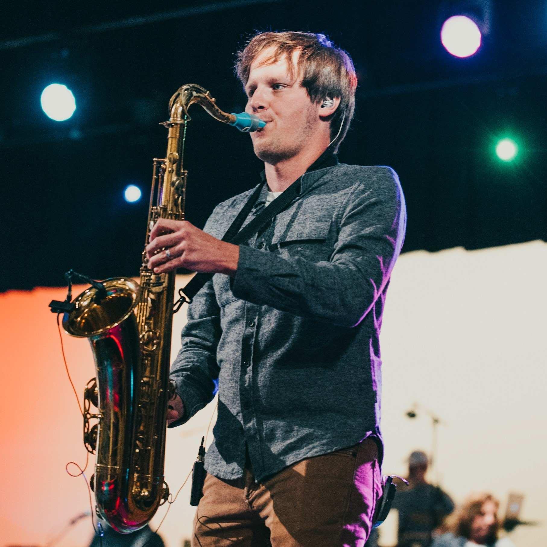 Joe Scheller plays a Syos mouthpiece on tenor saxophone