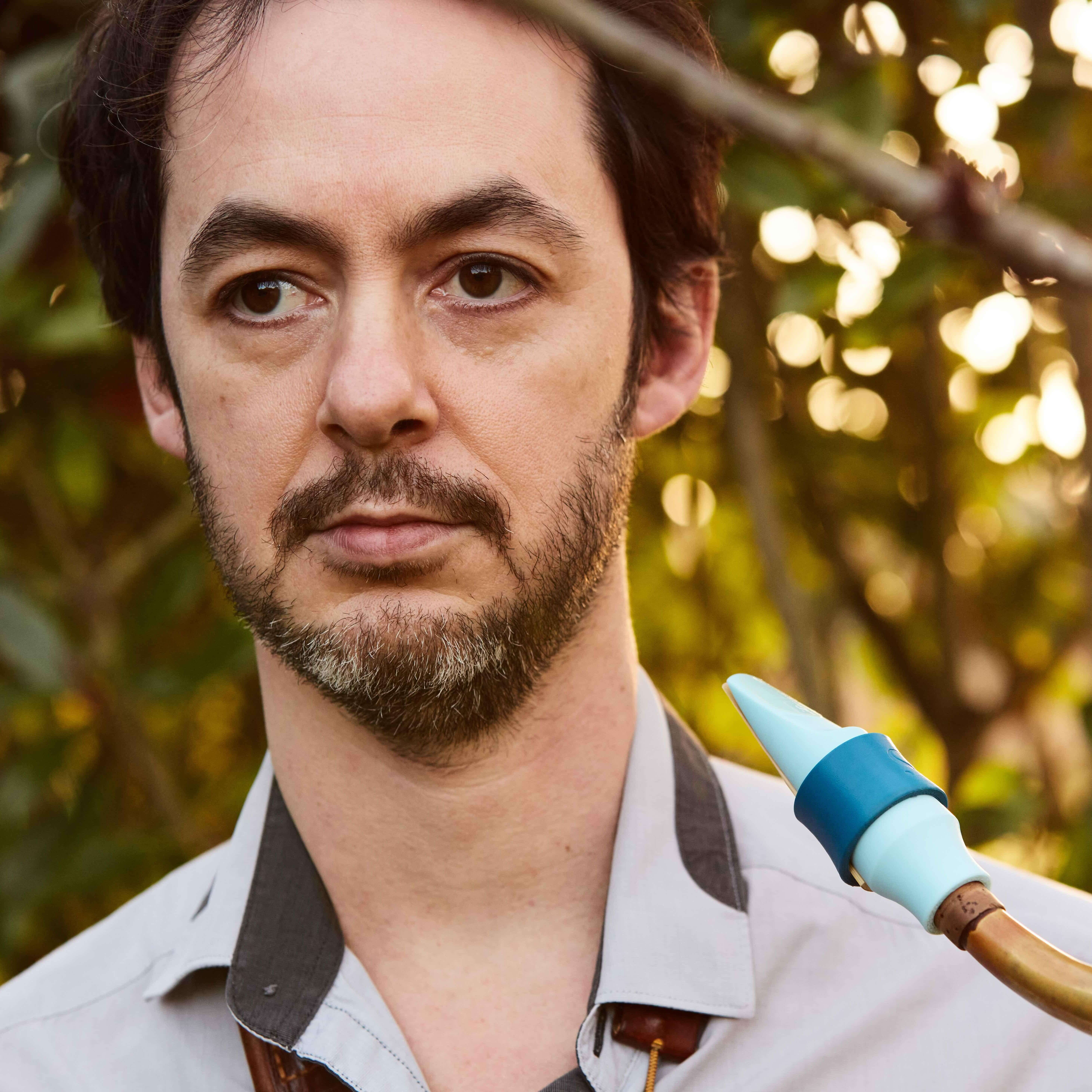 Jean-François Petitjean plays a Syos saxophone mouthpiece