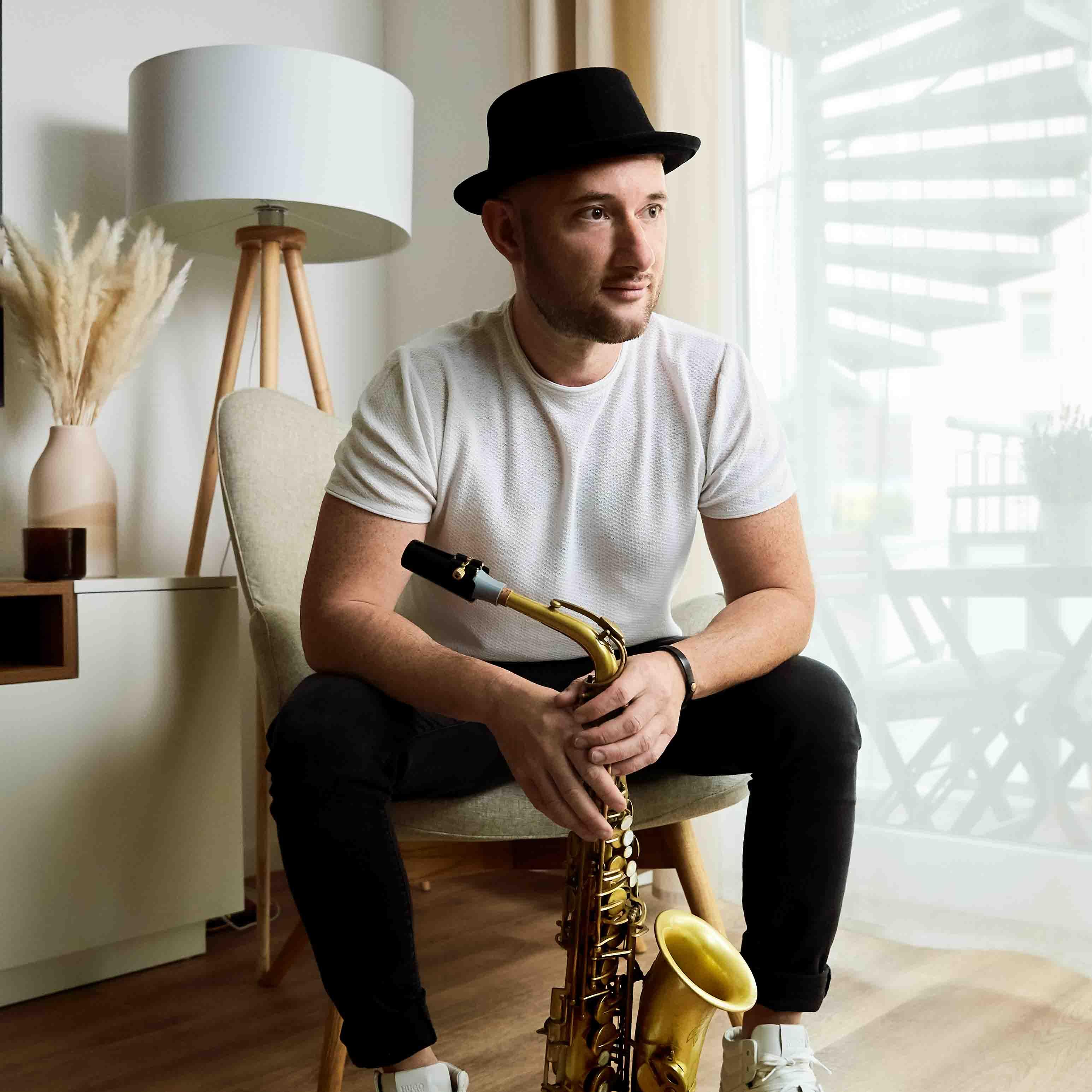 Oleg ROOL Rovner plays a Syos custom saxophone mouthpiece