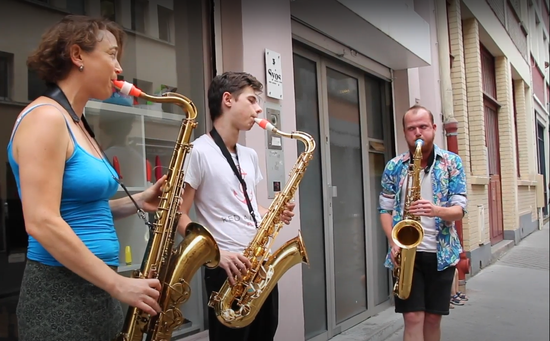 The professional Sax players who work at Syos!