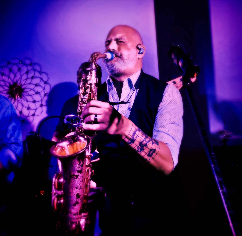David Mouton plays a Syos mouthpiece for alto saxophone