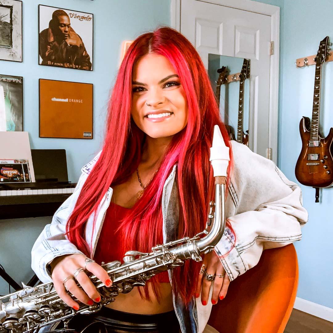 Gabi Rose plays a Syos saxophone mouthpiece