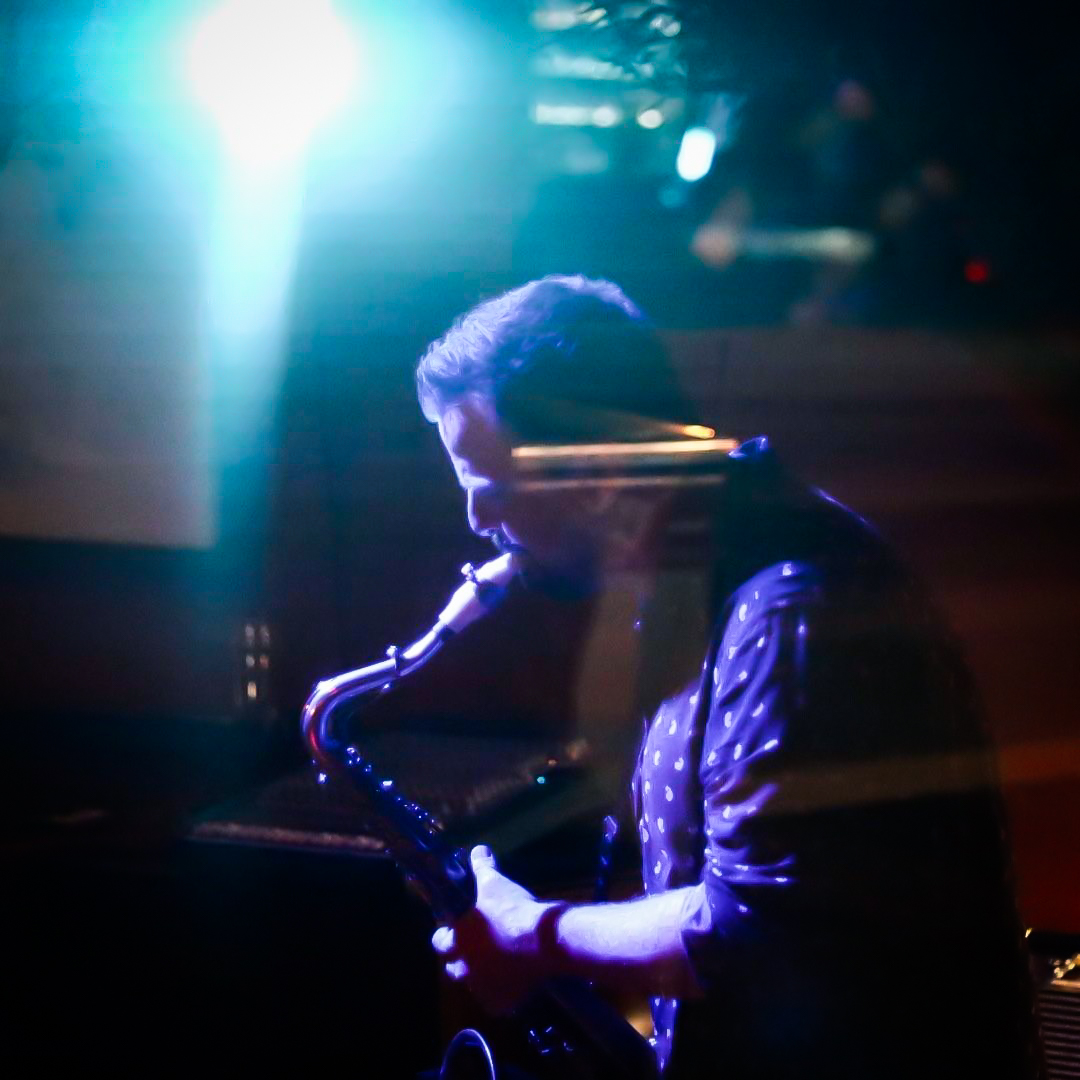 Julian Banks plays with a Syos saxophone mouthpiece