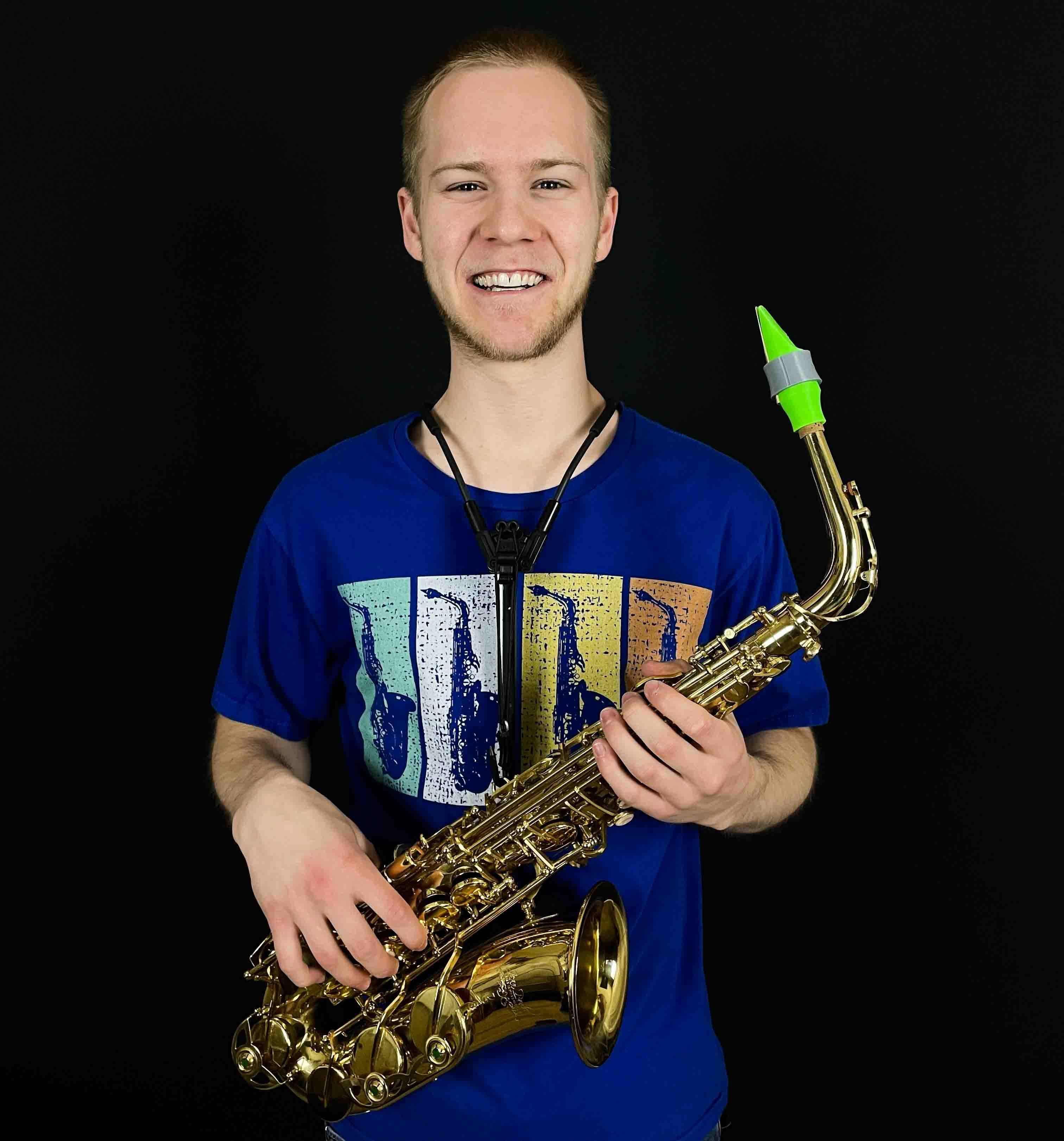 FoolishFrankie plays a Syos saxophone mouthpiece