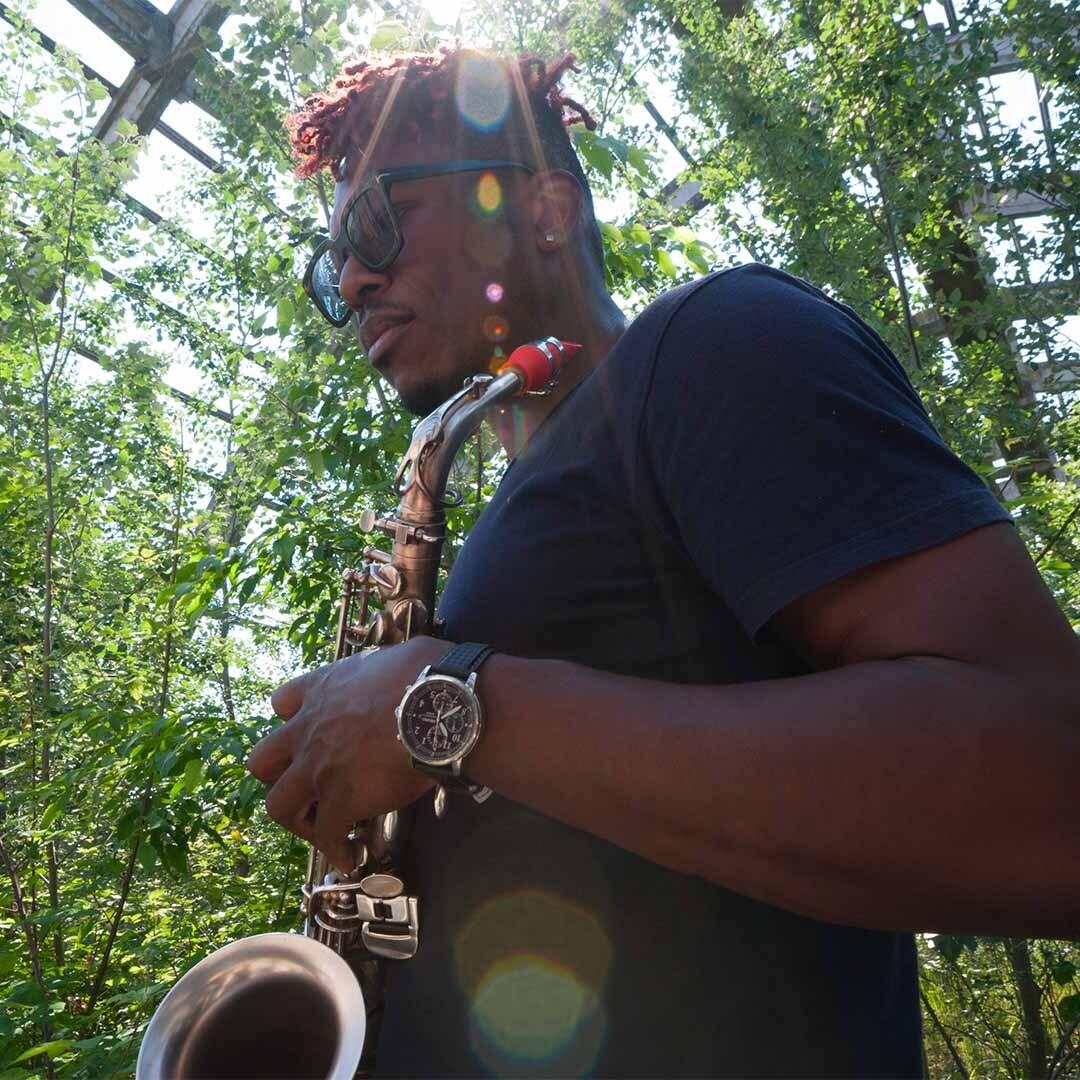 Kenn Bailey plays a Syos saxophone mouthpiece