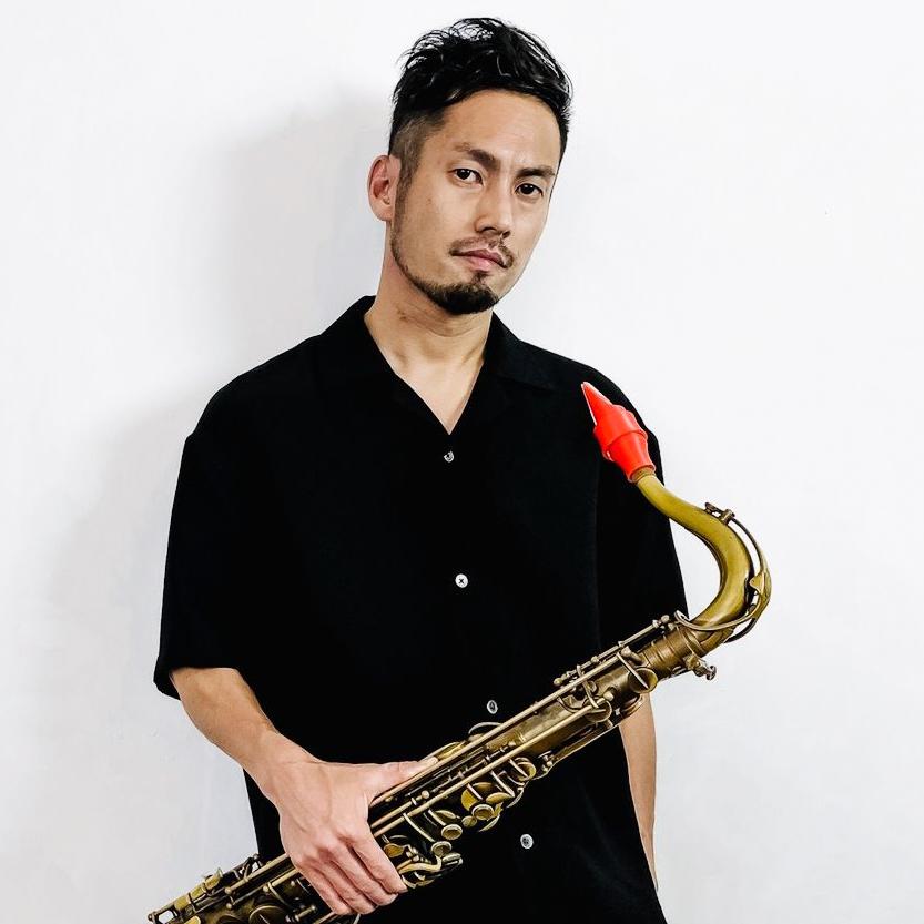 Junnosuke Fujita joue un bec de ténor Syos