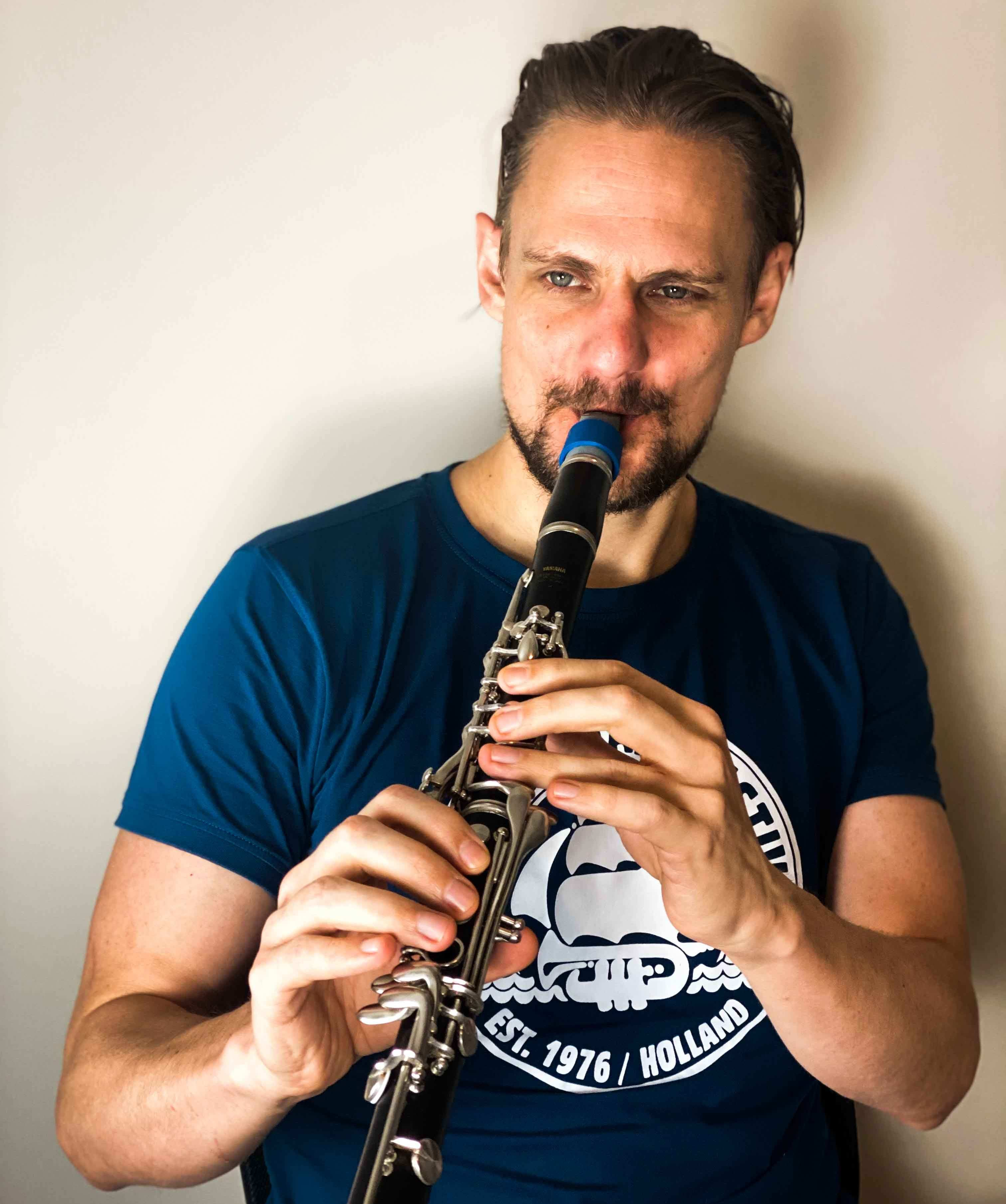 Steve Kortyka plays a Syos mouthpiece for Bb clarinet